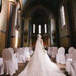 nevěsta, svatební den, svatební šaty, svatba v kostele