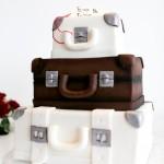 svatební dort ve tvaru kufru