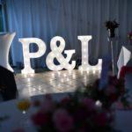 svítící písmena na svatbu